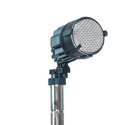 Torre de iluminação com gerador